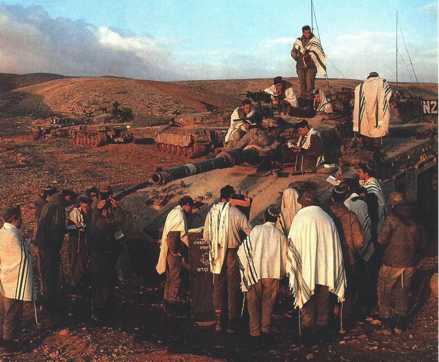 Танкисты на утренней молитве