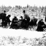 Перекур на снежной поляне