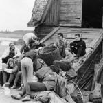 Отдых у хутора на пути к скалам (фамилии - на развертке фото)