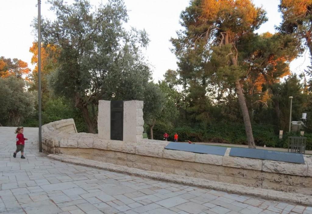 Памятник сражению за Сен-Симон.